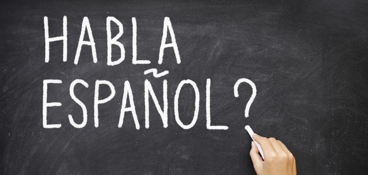 Turismo idiomático para aprender español: una tendencia al alza en España y Latinoamérica